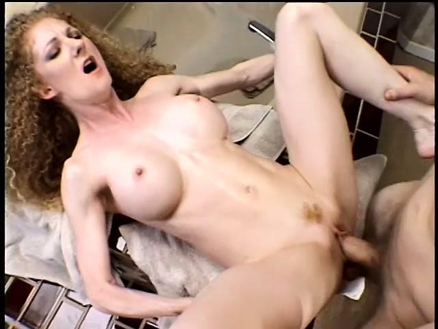 Порно онлаин рыжая кудрявая